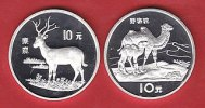 China 2 x 10 Yuan Davidshirsch u. Wildkamele, Tierwelt, WWF, Endangered Wildlife