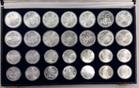 28 Münzen ca. 944 g Fein 1976 Kanada Kanada 14 x 5, 14 x 10 Dollars Olympiade Montreal Stempelglanz in schwarzer Box (Box leicht gebraucht)